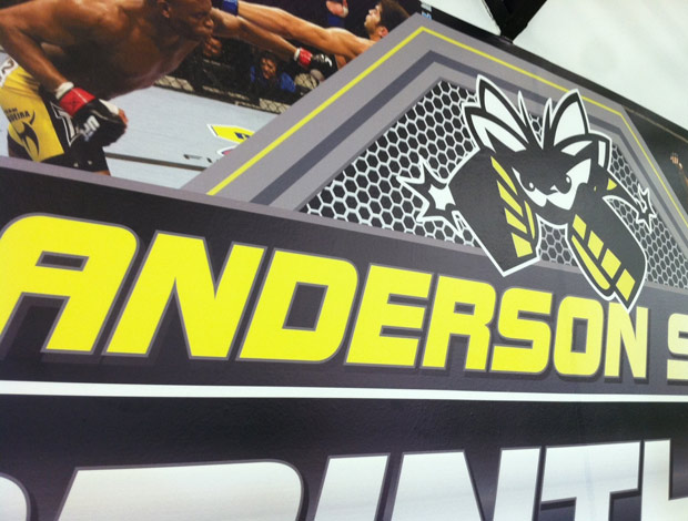 logo de Anderson Silva na academia de MMA do Corinthians (Foto: Reprodução/Twitter)