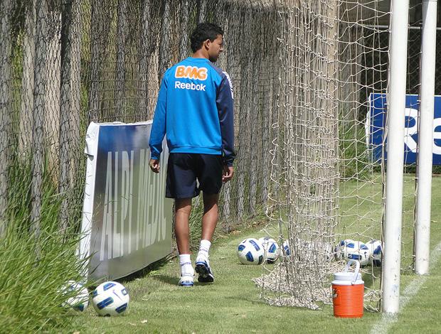 Wallyson cruzeiro treino (Foto: Fernando Martins / Globoesporte.com)