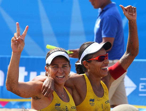 vôlei de praia Juliana Larissa (Foto: Luiz Pires / VIPCOMM)