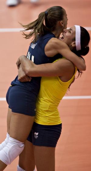 Pan vôlei Brasil x Cuba Paula Pequeno e Fabi (Foto: AFP)