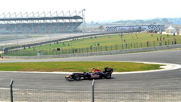 exibição da RBR no circuito da India (Foto: AFP)