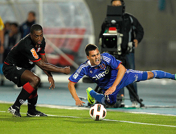 gustavo gallegos universidad do chile x flamengo (Foto: Reuters)