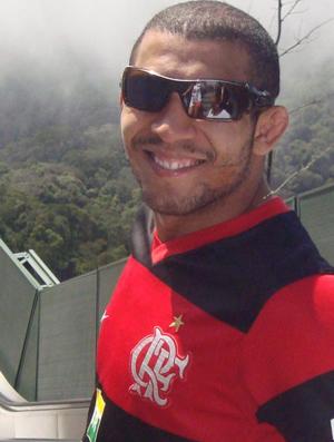Lutador José Aldo com a camisa do Flamengo (Foto: Reprodução/Twitter)