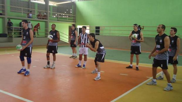 Equipe de vôlei masculino do Treze (Foto: Divulgação / Treze)