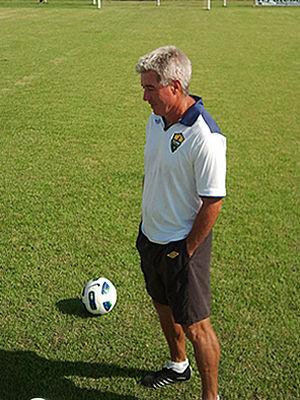 Técnico Ary Marques completa 53 jogos pelo Dourado (Foto: Dhiego Maia)