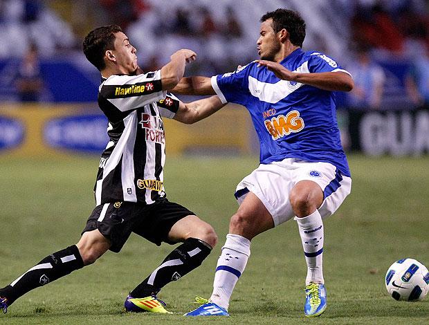 Caio e Charles no jogo do Botafogo contra o Cruzeiro (Foto: Fábio Castro / Divulgação Agif)