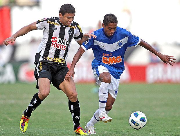 Elkeson no jogo do Botafogo contra o Cruzeiro (Foto: Fernando Soutello / Divulgação AGIF)