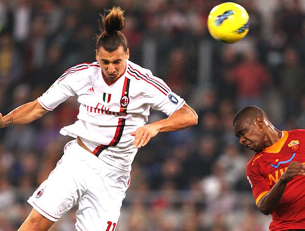 ibrahimovic milan gol juan roma (Foto: Agência Reuters)