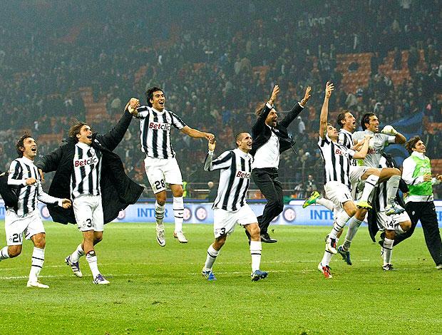 jogadores do Juventus comemoram vitória sobre o Inter de Milão (Foto: Reuters)