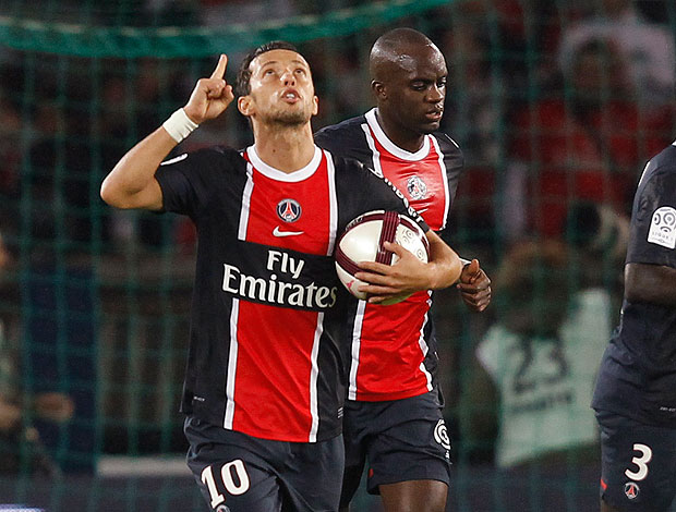 Nene comemora gol do PSG contra o Caen  (Foto: Reuters)
