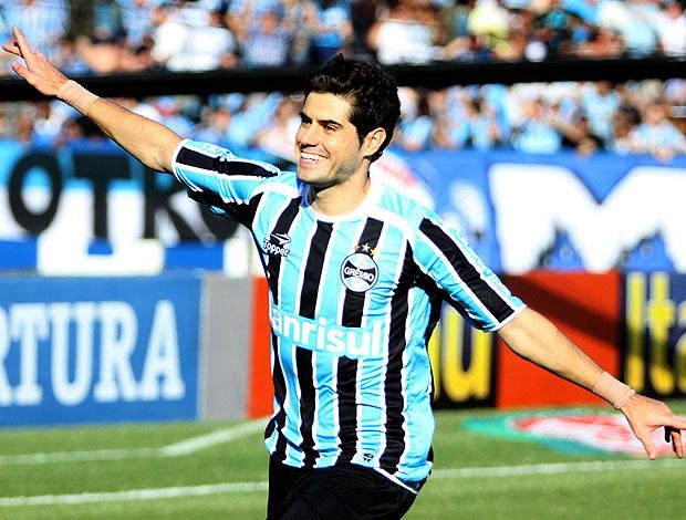 Miralles comemora gol do Grêmio (Foto: Luis Gonçalves / Pressdigital)