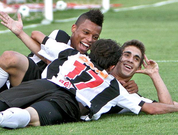 Neto Berola comemora gol do Atlético-MG (Foto: Bruno Cantini / Site Oficial do Atlético-MG)