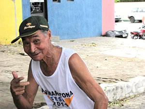 Idoso de 86 anos completa minimaratona de 7 km em Cuiabá (Foto: Sesc Porto)