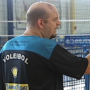 Spencer Lee técnico do vôlei feminino de Uberlândia  (Foto: Reprodução/ TV Integração)