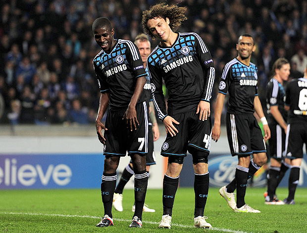 Ramires e David Luiz - Chelsea x Racing Genk (Foto: Getty Images)