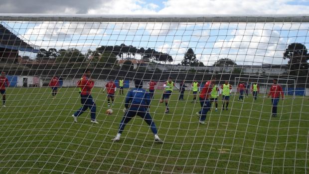 Paraná Clube treina na Vila Olímpica (Foto: Fernando Freire/GLOBOESPORTE.COM)