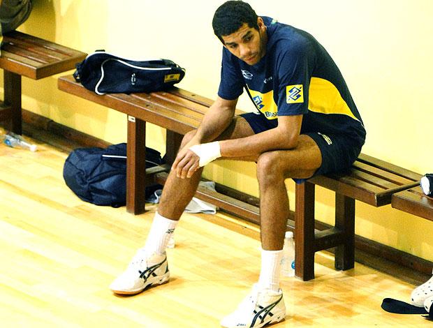 Wallace Souza no treino da Seleção de vôlei (Foto: Helena Rebello / Globoesporte.com)