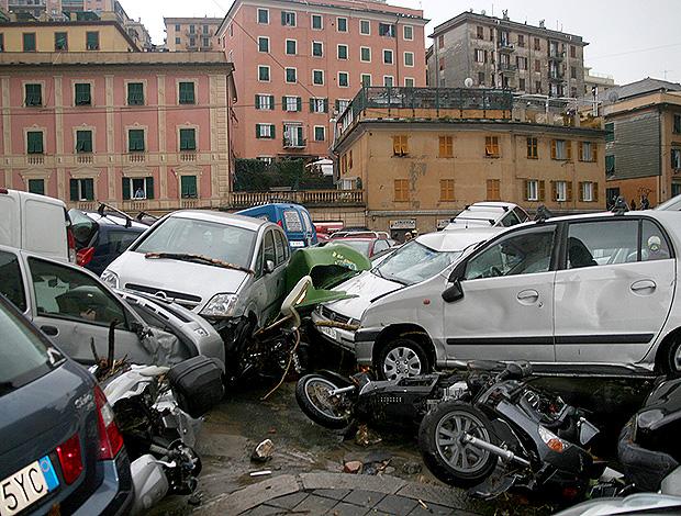 genova chuvas itália (Foto: AP)