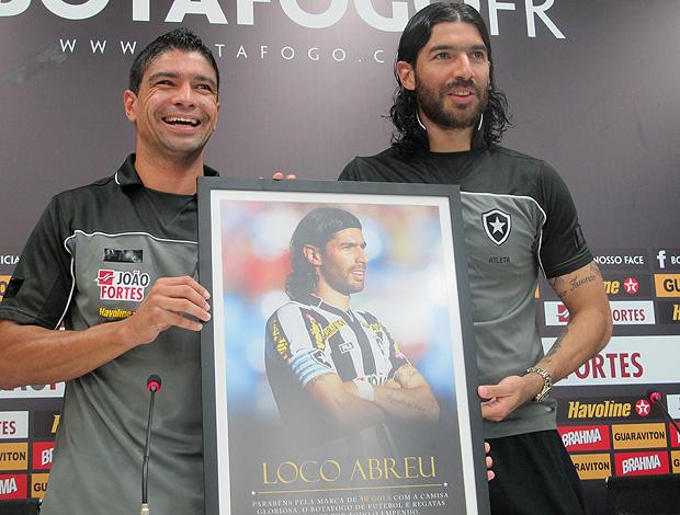 Renato e Loco Abreu - Homenagem Botafogo (Foto: Thiago Fernandes / Globoesporte.com)
