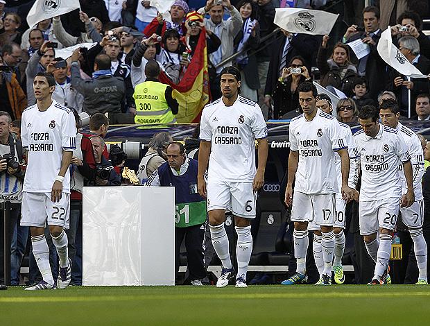 Real Madrid homenagem Cassano (Foto: EFE)