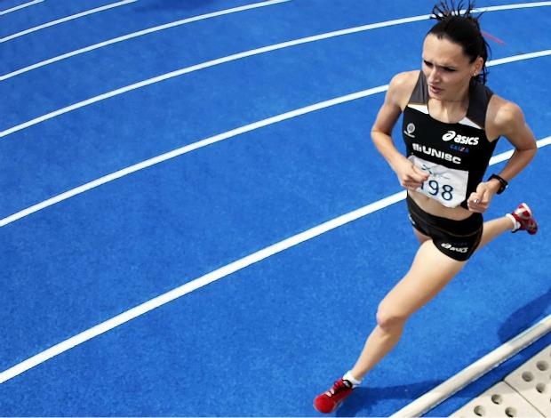 Sabine Heitling é ouro nos 1500m rasos das Olimpíadas Universitárias 2011 (Foto: Gaspar Nóbrega / Inovafoto)