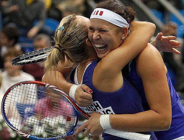 Lucie Hradecka  Kveta Peschke moscou tênis (Foto: Reuters)