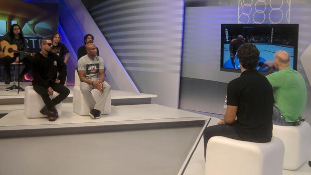 Anderson Silva e Detonautas no Corujão do Esporte (Foto: Adriano Albuquerque/Sportv.com)