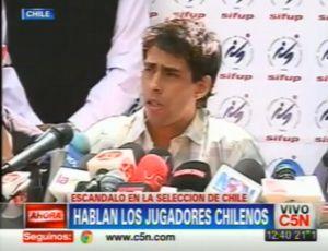 Valdivia se defende de acusações no Chile (Foto: Reprodução)