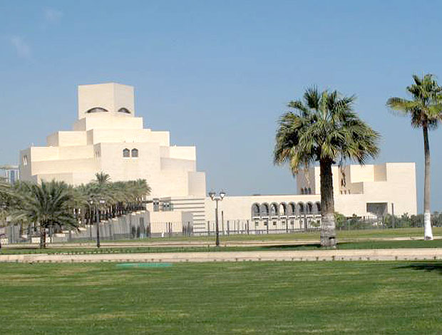 Capital do Qatar, Doha impressiona pelos prédios modernos. País já está de olho na Copa (Foto: Márcio Iannacca / GLOBOESPORTE.COM)