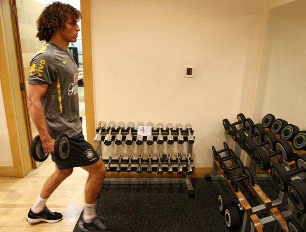 David Luiz em treino fisico da Seleção Brasileira (Foto: Mowa Press)