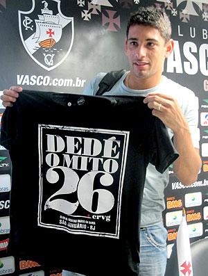 Diego Souza usa camisa do 'mito' Dedé (Foto: Thiago Fernandes / Globoesporte.com)