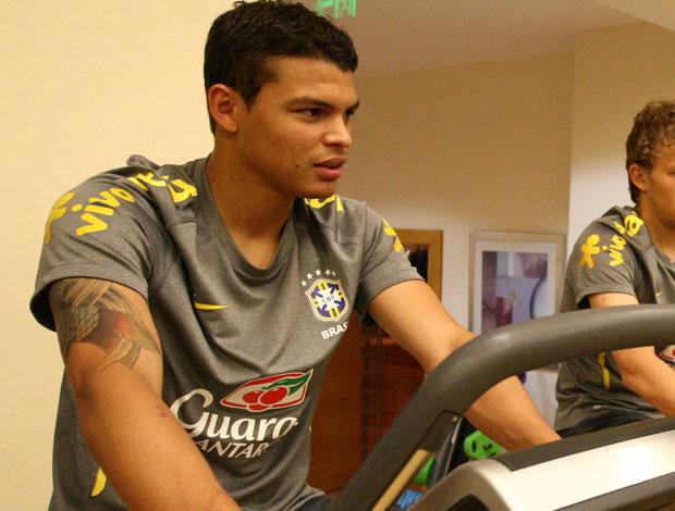 Thiago Silva em treino fisico da Seleção Brasileira (Foto: Mowa Press)