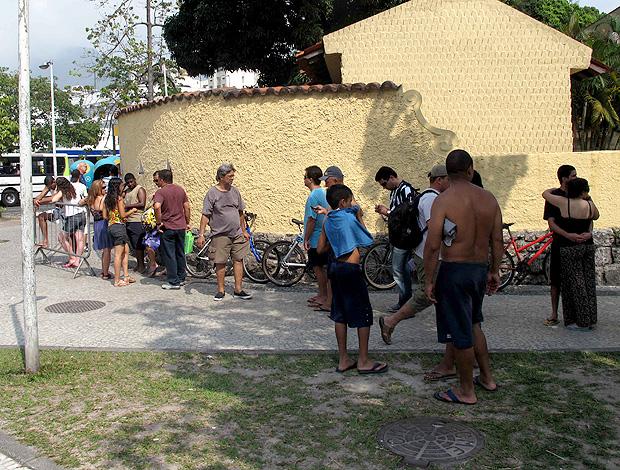 fila de ingressos botafogo general severiano (Foto: Fábio leme / Globoesporte.com)