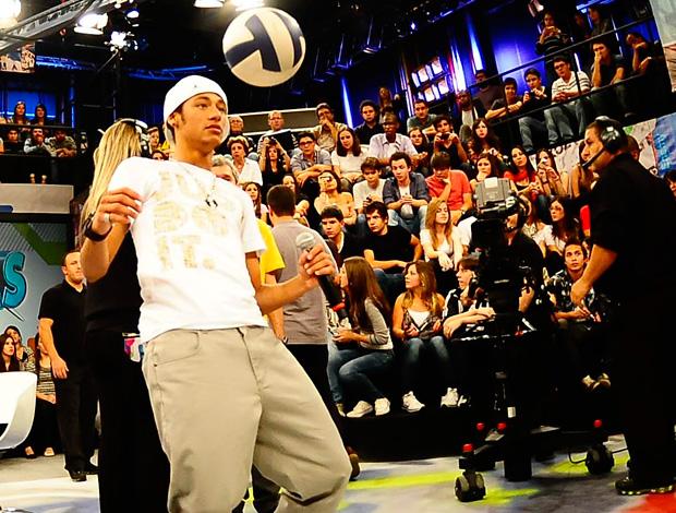 Neymar na gravação do Altas Horas (Foto: Marcos Ribolli/Globoesporte.com)