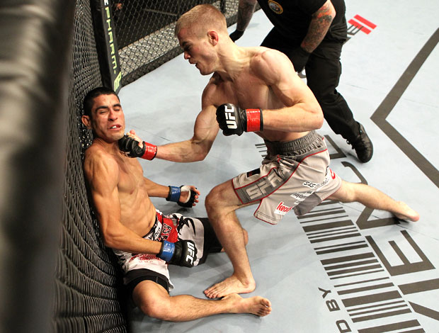 UFC 139 - Michael McDonald e Alex Soto (Foto: Agência Getty Images)
