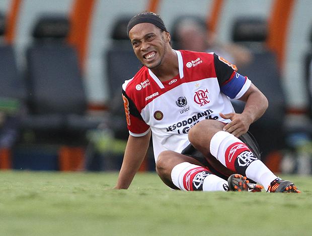 Ronaldinho Flamengo x Atlético-GO (Foto: Ag. Estado)