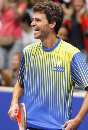 Guga diz ser essencial para manter o interesse pelo tênis no Brasil