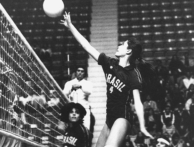 Vera Mossa (c), da seleção feminina de vôlei, durante os Jogos Panamericanos realizado em Caracas, na Venezuela (Foto: Divulgação)
