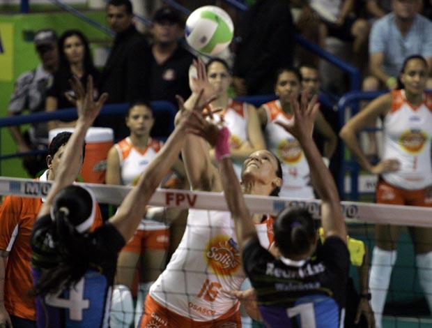Vôlei Futuro e Osasco se enfrentam na final do Paulista de vôlei feminino (Foto: Fabio Rubinato/AGF)