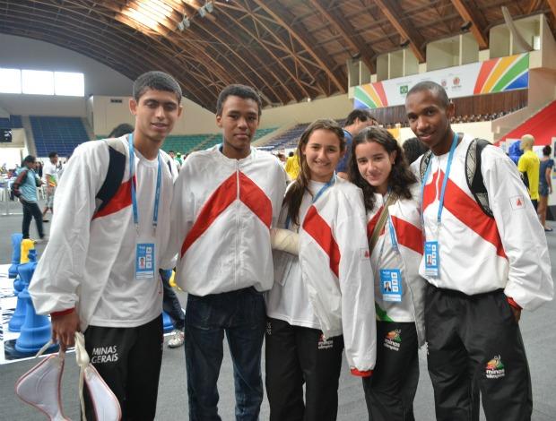 Alunos no centro de convivência das Olimpíadas Escolares em Curitiba (PR) (Foto: Ana Carolina Fontes / GLOBOESPORTE.COM)