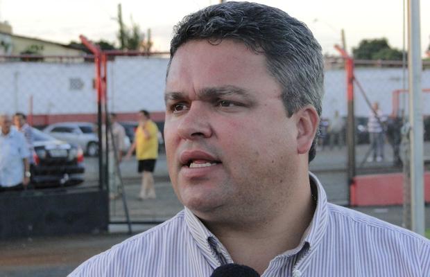 Adson Batista, diretor de futebol do Atlético-GO (Foto: Divulgação/Atlético-GO)