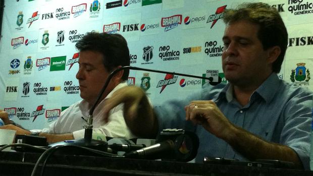 Evandro Leitão e Robinson de Castro em coletiva no Ceará (Foto: Gioras Xerez/Globoesporte.com)