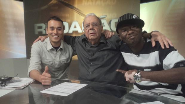 André Rizek, Sérgio Cabral e Rappin Hood no Redação SporTV (Foto: Leonardo Filipo/SporTV.com)