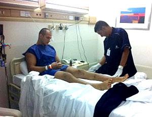 Cigano na preparação para cirurgia (Foto: Reprodução / Twitter)