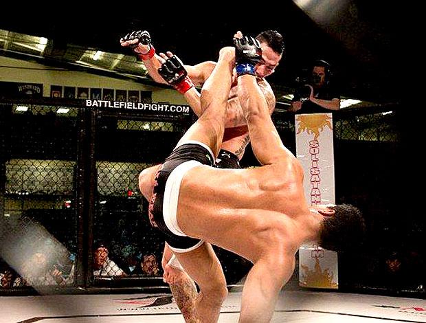 Marcus Lelo Aurélio em luta contra Ken Tran  (Foto: Divulgação / Arquivo Pessoal)