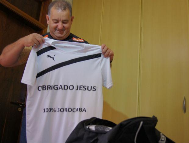 Pai do Rafael, do Santos, arruma as malas (Foto: Eric Camargo)