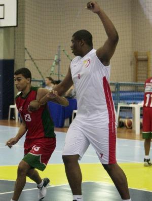 Adriano Alves Junior, Colégio Amorim (SP), basquete Olimpíadas Escolares em Curitiba (PR) (Foto: Gaspar Nóbrega / Inovafoto)