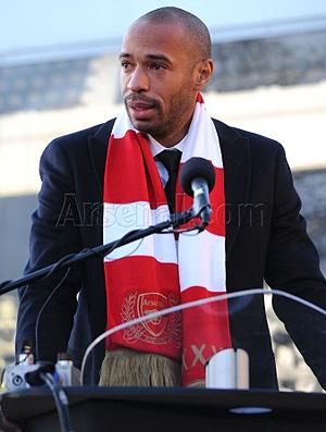 Arsenal lança estátua de Henry (Foto: Site Oficial do Arsenal)
