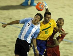 futebol de areia  Brasil x Argentiuna nos Jogos Sul-Americanos  (Foto: Wander Roberto / Inovafoto / COB)