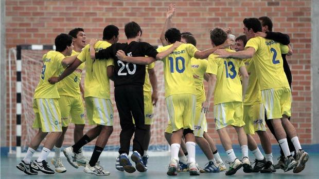 Colégio Vinícius de Morais (MT), handebol Olimpíadas Escolares em Curitiba (PR) (Foto: Gaspar Nóbrega / Inovafoto)